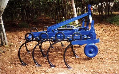 Cultivateur  élastique à réglage mécanique