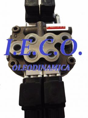 Distributeur hydraulique à commande électrique 45 Litres, 250 Bar, 12 V, 2 leviers