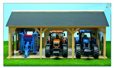 Hangar en bois pour 3 tracteurs KIDS GLOBE 610340 1:16